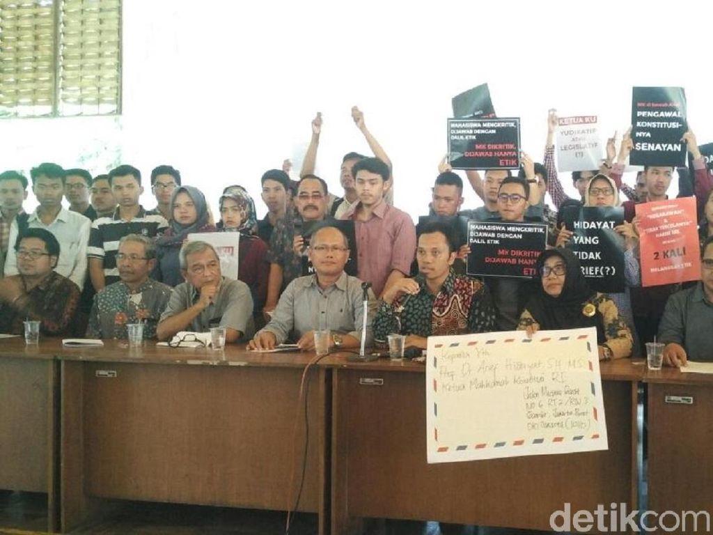 Civitas Akademika Yogyakarta Desak Ketua MK Mundur