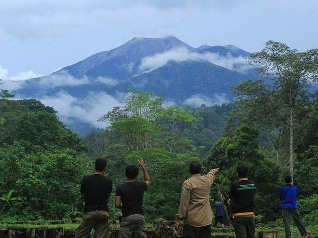 Ini 10 Gunung Tertinggi yang Terdapat di Sumatera