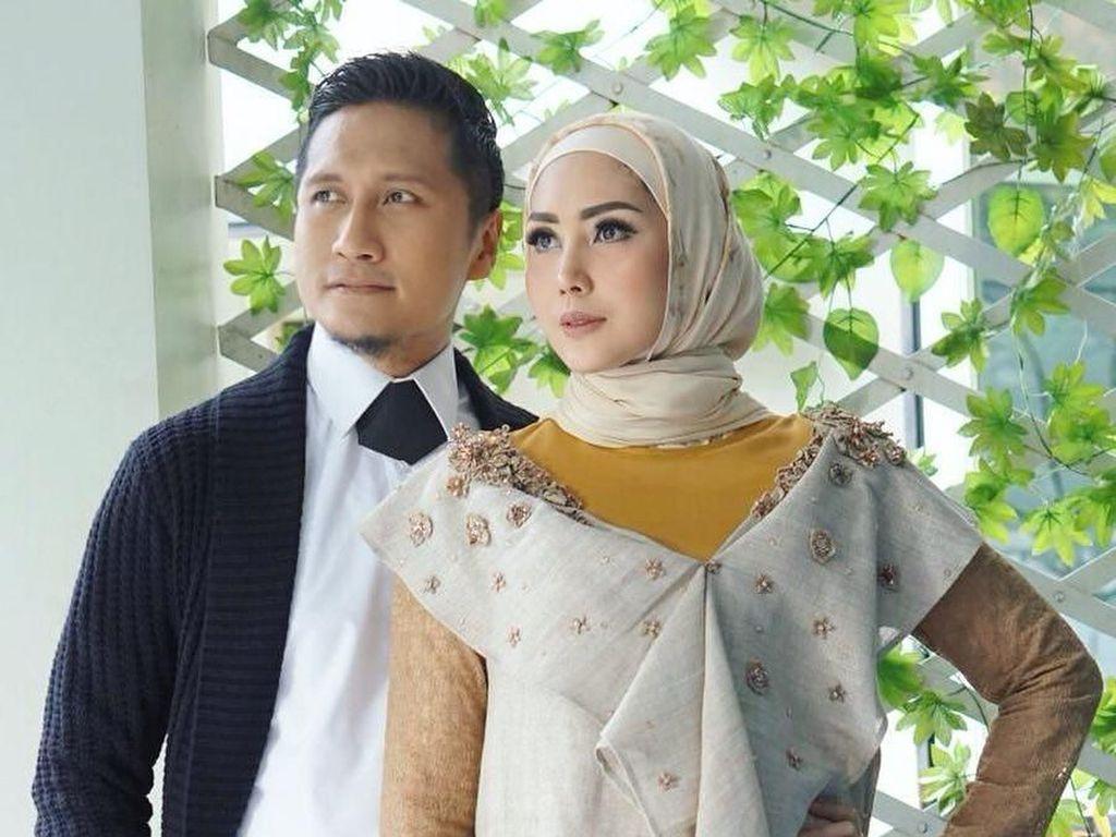 Baru Berhijab, Fenita Arie Rilis Koleksi Busana Muslim Bareng L.Tru