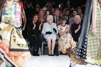 Baju Natal Ratu Elizabeth Disiapkan 2 Bulan, Warna Harus Beda