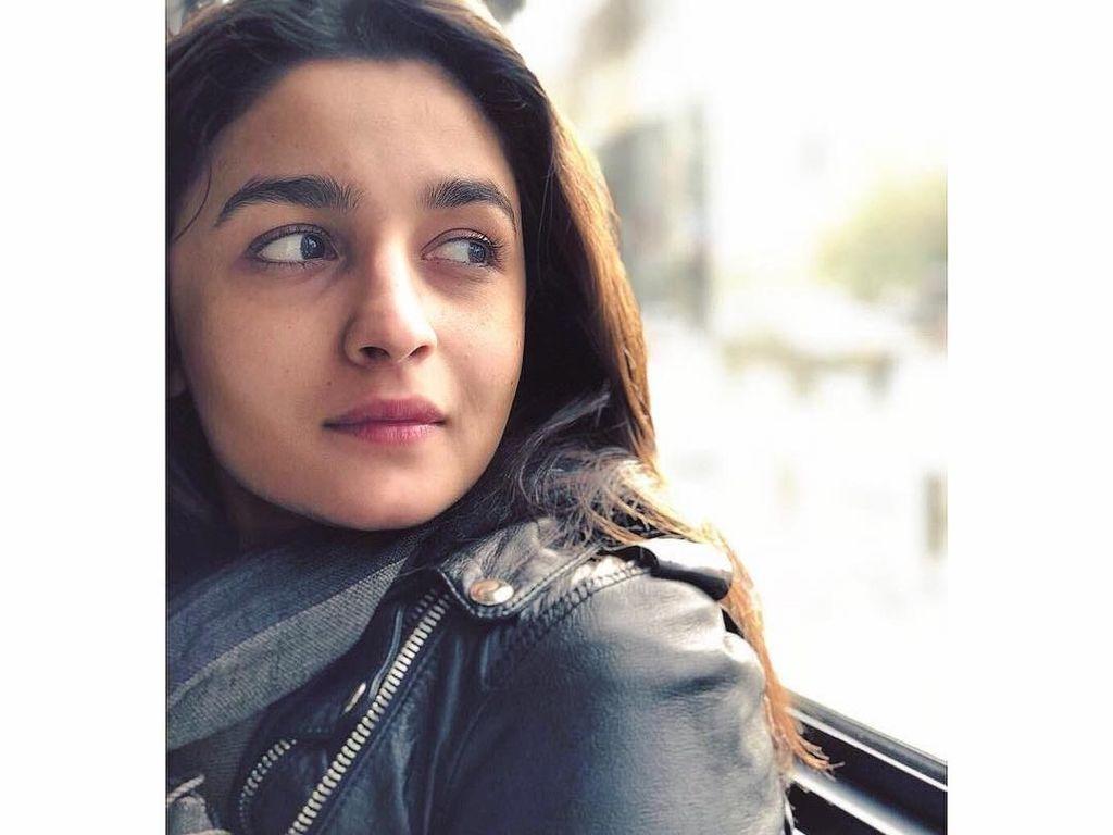 Muda dan Cantik, Gaya Hidup Artis Bollywood Alia Bhatt Sehat Banget