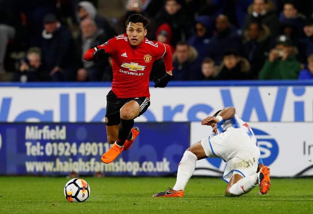 Soccer Football - FA Cup Fifth Round - Huddersfield Town vs Manchester United - John Smith's Stadium, Huddersfield, Britain - February 17, 2018   Manchester United's Alexis Sanchez in action   Action Images via Reuters/Jason Cairnduff