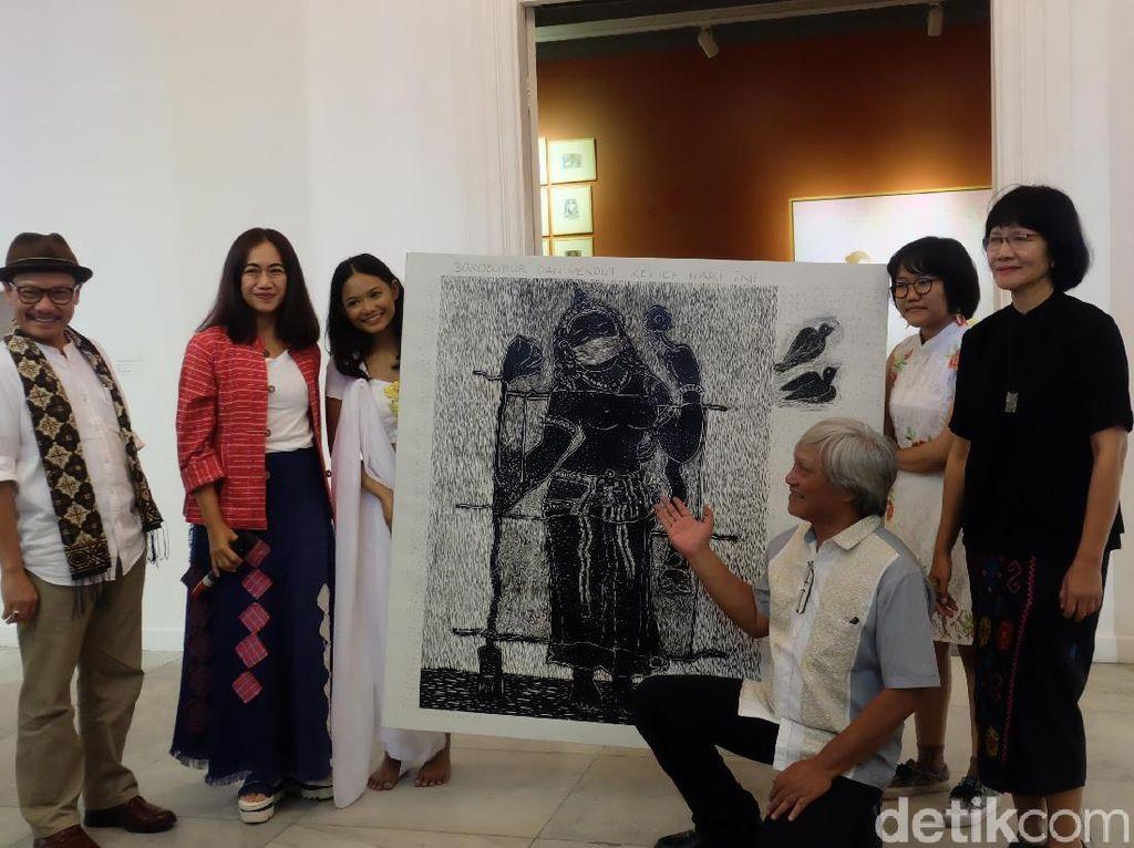 Nia Dinata Buka Pameran Seni Perempuan (di) Borobudur