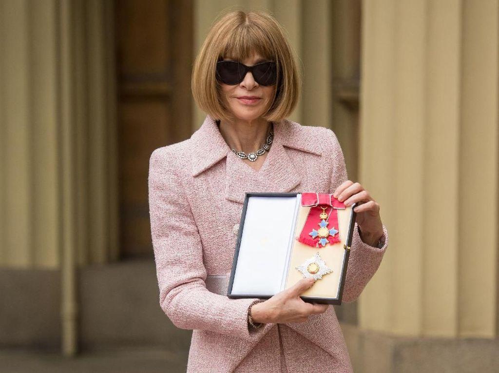 Anna Wintour Akan Pensiun dari Vogue Tahun Ini?
