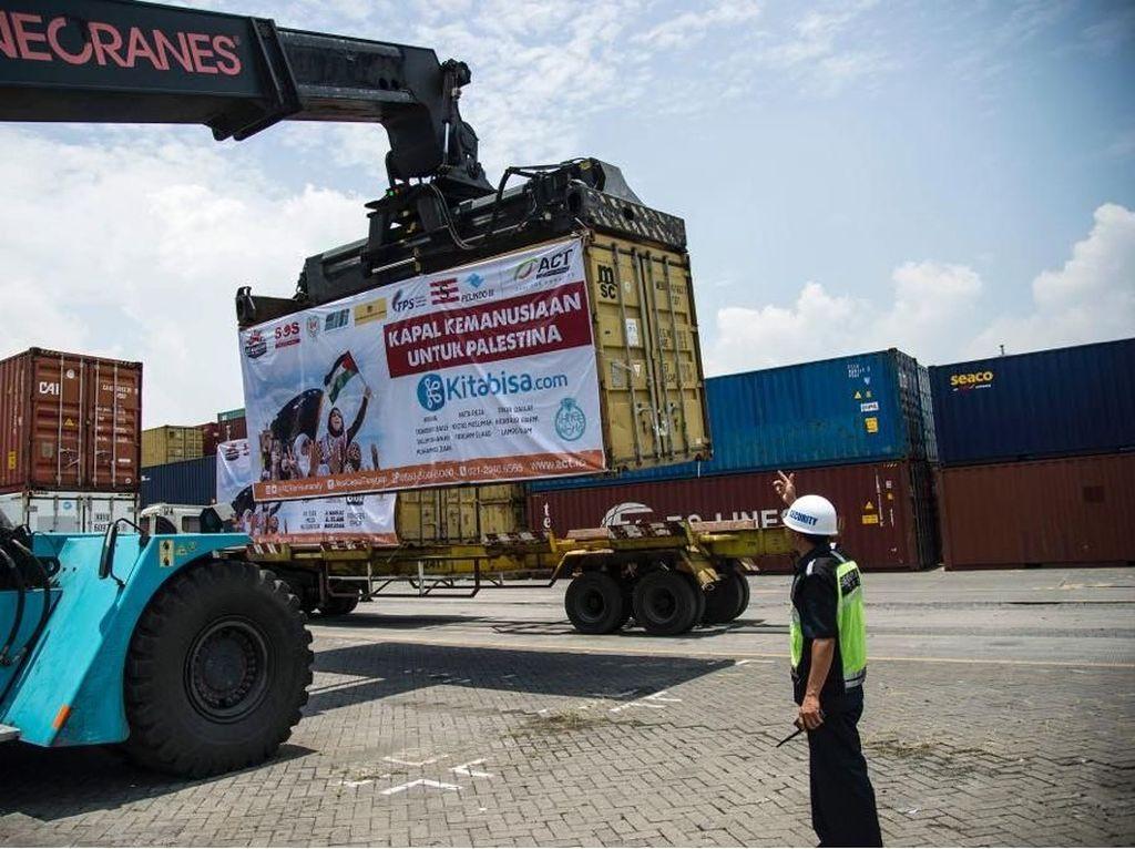 10 Ribu Ton Beras Untuk Palestina Diberangkatkan dari Surabaya