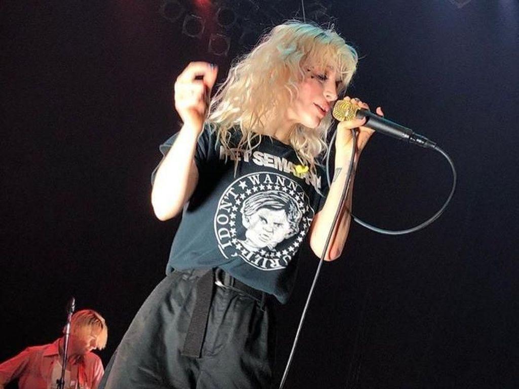 Sempat Batal Konser, Kondisi Vokalis Paramore Saat Itu Parah
