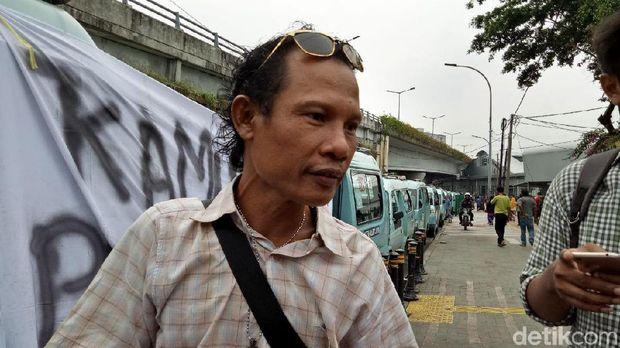 Tolak OK OTrip, Sopir Angkot Tn Abang Demo Ke Balai Kota Siang Ini