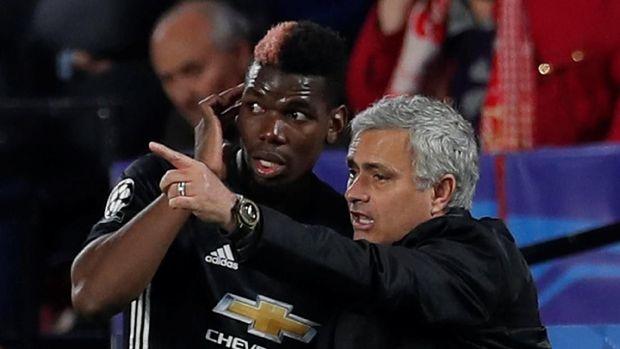 Paul Pogba berseteru dengan Jose Mourinho karena kerap menjadi pemain cadangan dalam beberapa pertandingan terakhir.