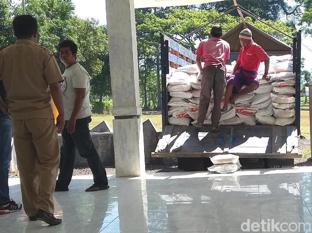 Warga di Bondowoso Keluhkan Kebijakan Pengurangan Jatah Rastra