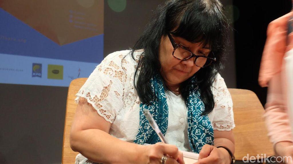Bagi Leila S Chudori Menulis Karakter yang Usia Lebih Muda Bikin Tertantang