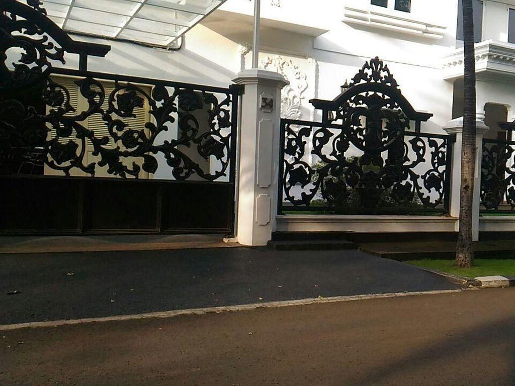Melihat Rumah Mewah OSO yang Jadi Lokasi Syukuran Hanura