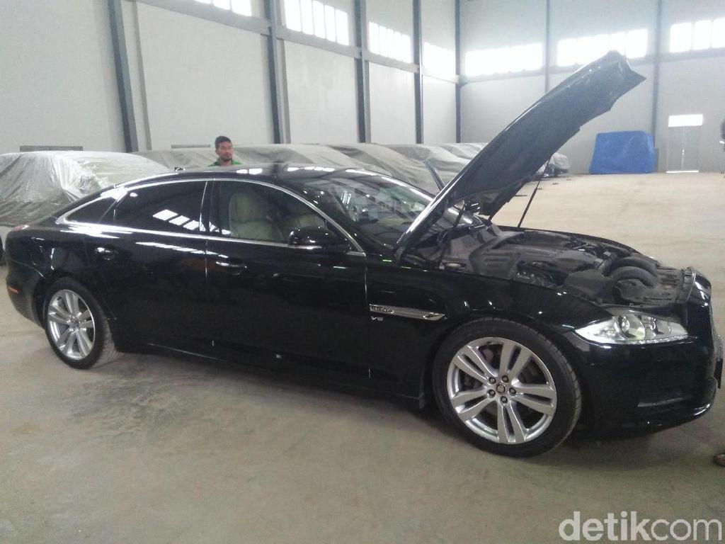 Jaguar Sanusi Dilelang KPK Rp 448 Jutaan