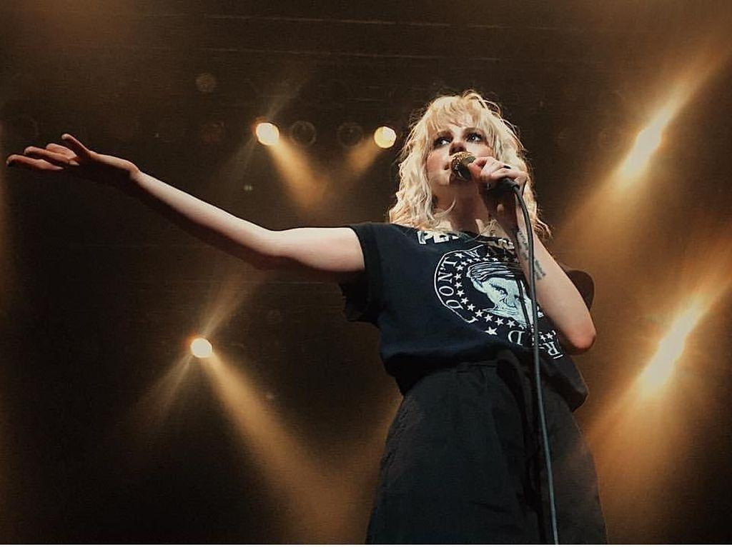 Jangan Iri, Begini Serunya Konser Paramore di Tokyo