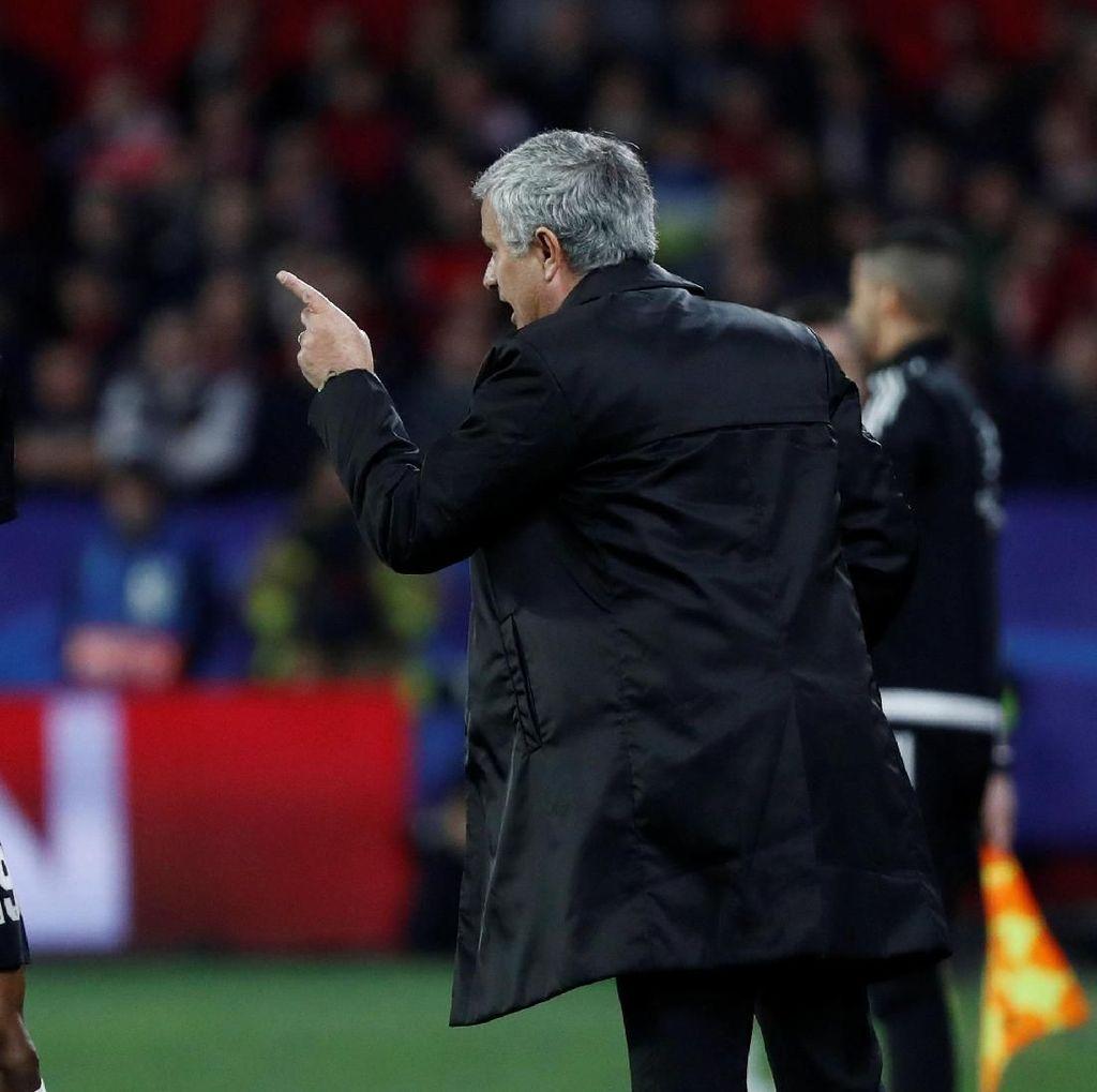 Mourinho Bela Taktiknya Usai MU Imbang dengan Sevilla