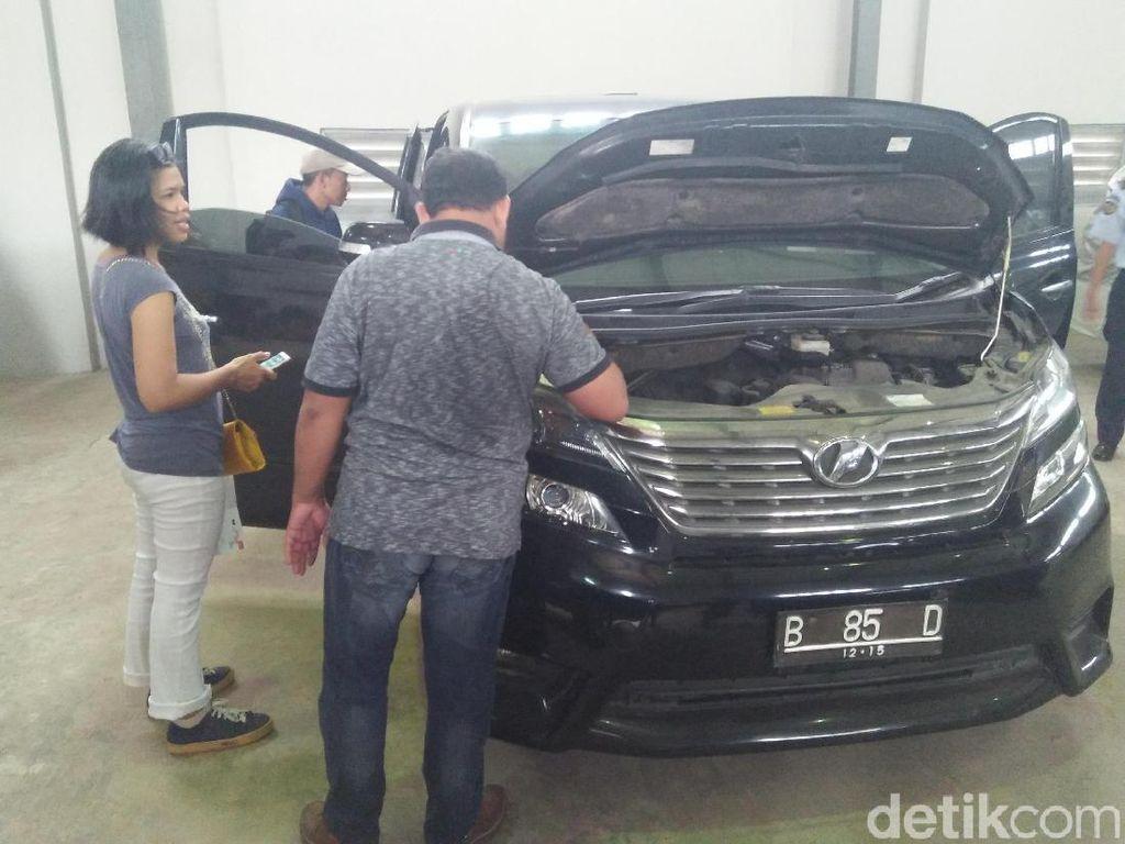 Mobil Eks Presiden PKS Luthfi Hasan Dilelang Rp 279-479 Jutaan