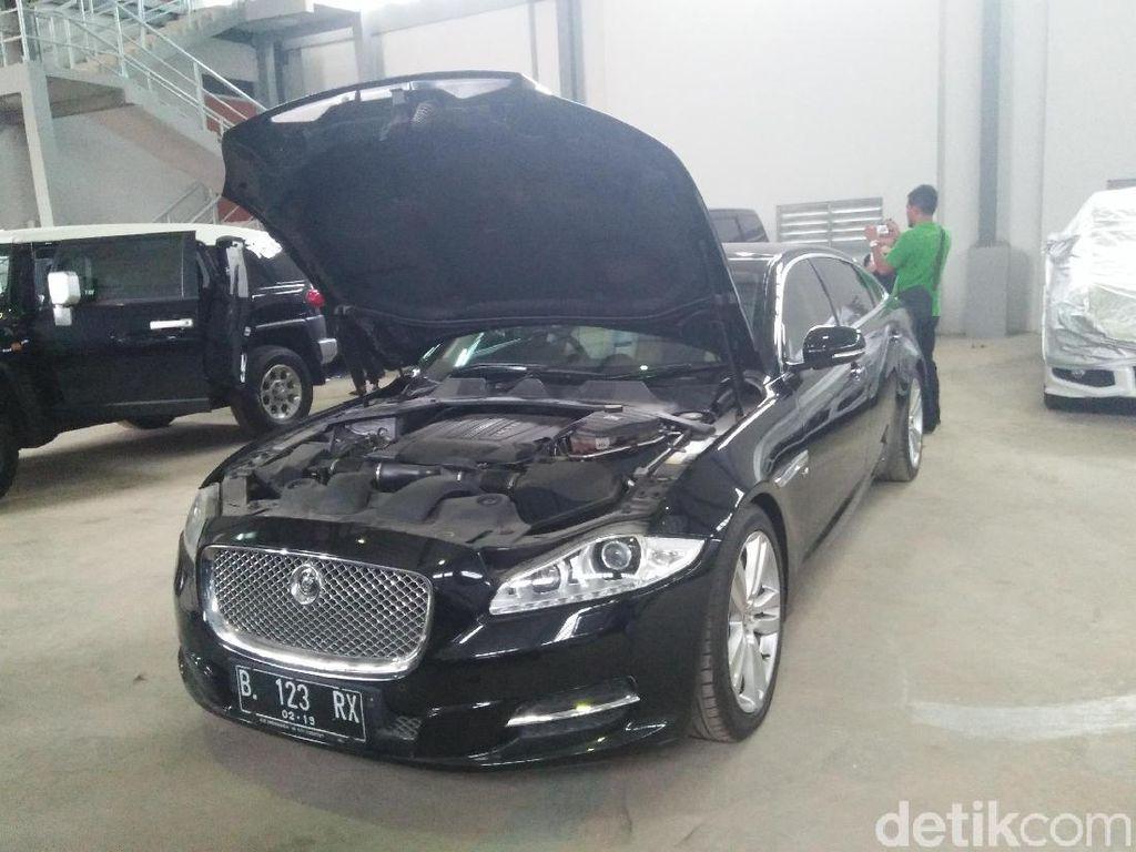 Akhirnya, Mobil Jaguar M Sanusi Laku Dilelang KPK Rp 599 Juta