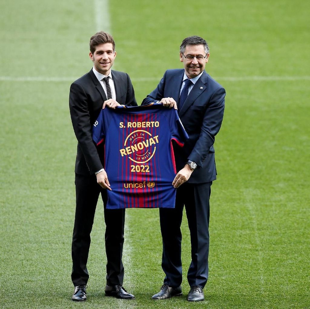 Resmi Perpanjang Kontrak di Barca, Sergi Roberto Mau Ikuti Jejak Iniesta dan Messi