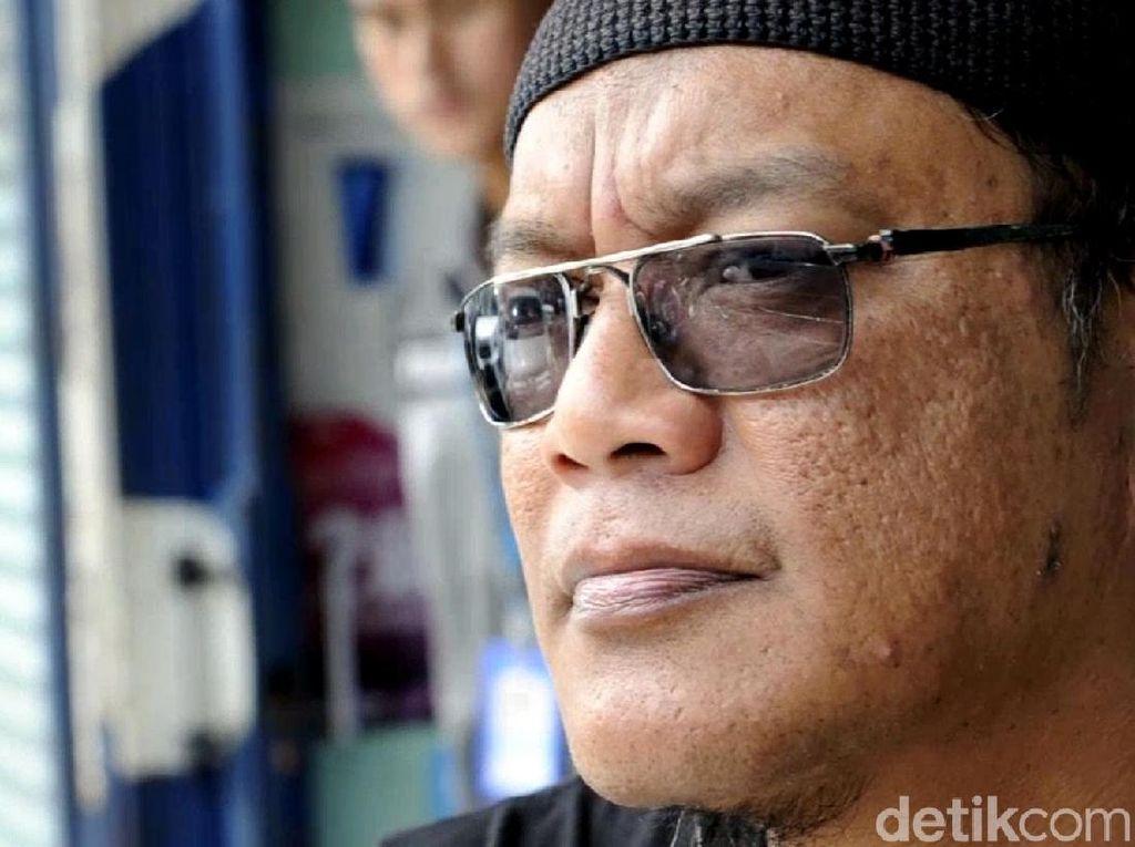 Perkenalkan, Sanchoz Juru Parkir yang Siap Donor Mata untuk Novel