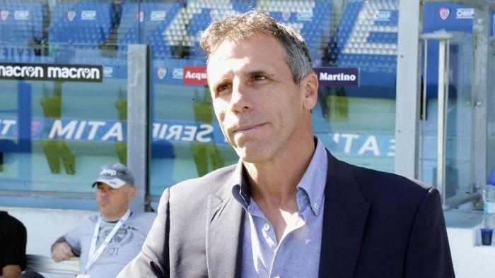 Gianfranco Zola menjadi asisten pelatih baru Chelsea Maurizio Sarri. (Foto: Enrico Locci/Getty Images)
