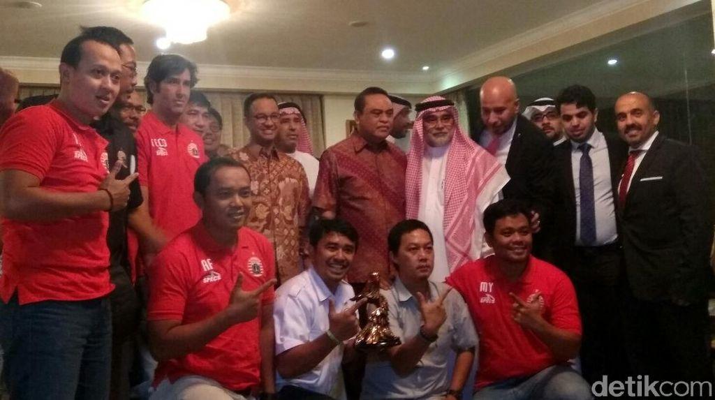 Dubes Arab Rayakan Kemenangan Persija Bersama Anies