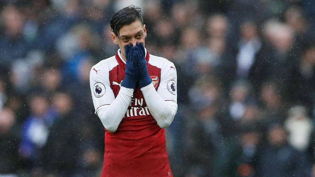 Oezil Dinilai Jadi Pemain Kunci Arsenal Usai Sanchez Pergi