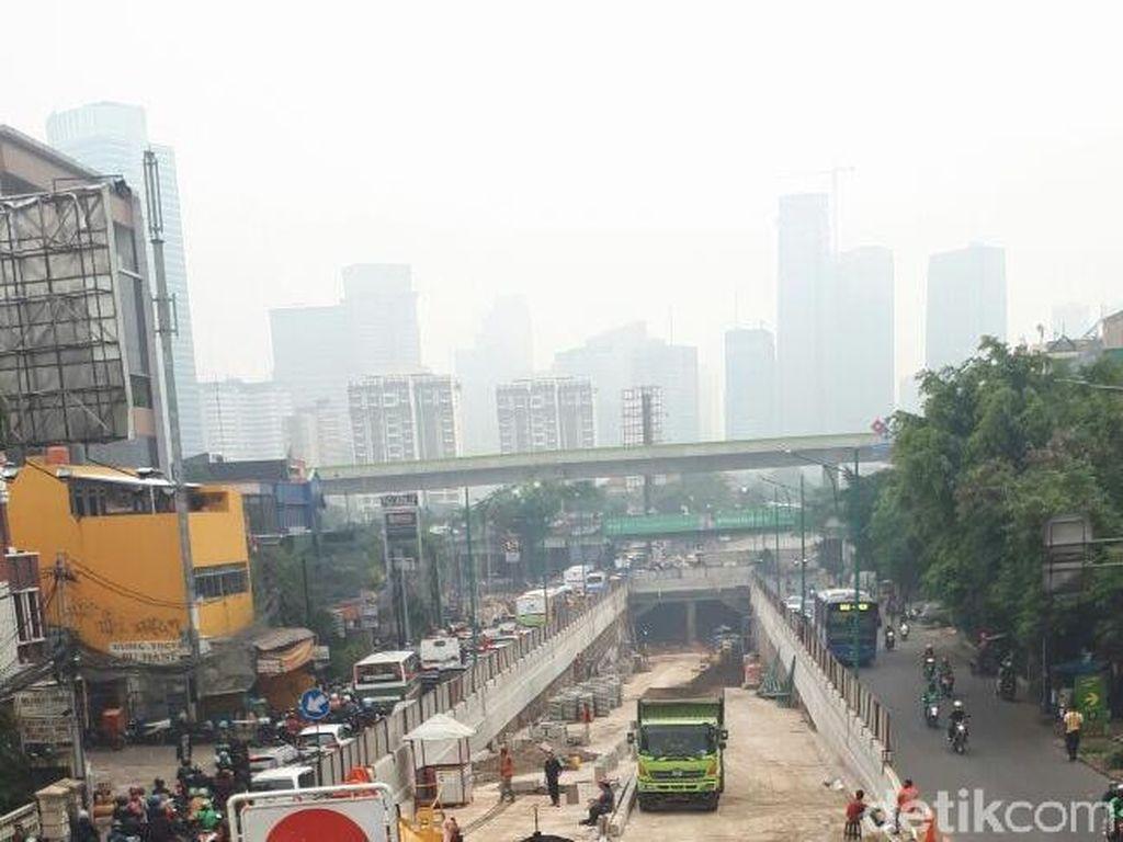 Foto: Kabut di Jakarta Pagi Tadi yang Bikin Penasaran