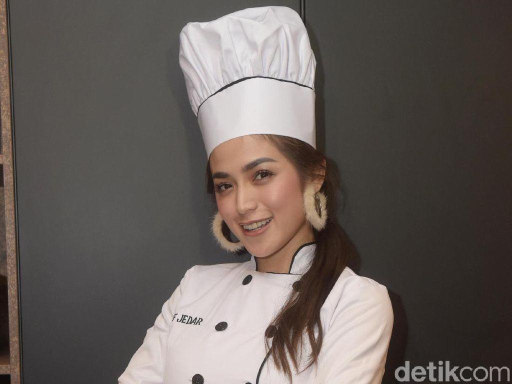 Jessica Iskandar Bersyukur Punya El Barack yang Selalu Beri Pujian