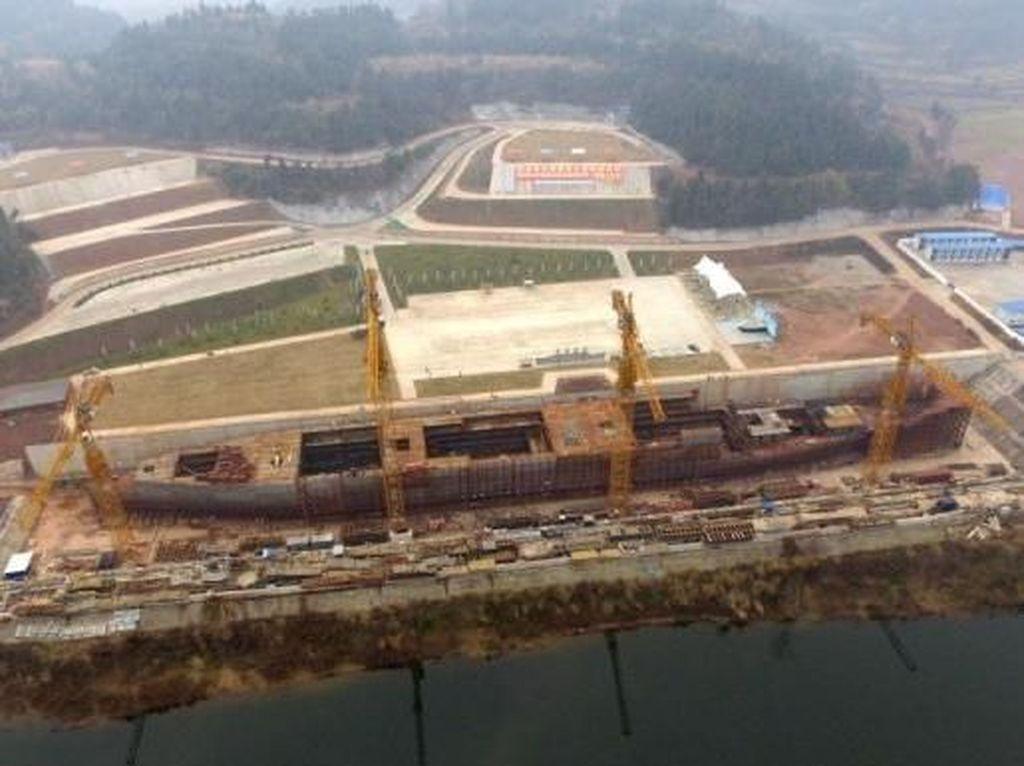 Setelah Landmark Dunia, China Kini Buat Replika Kapal Titanic