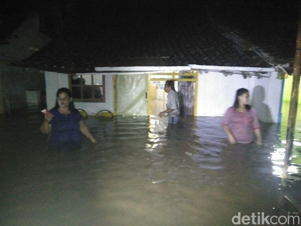 Banjir Bandang Terjang Dua Kecamatan di Probolinggo
