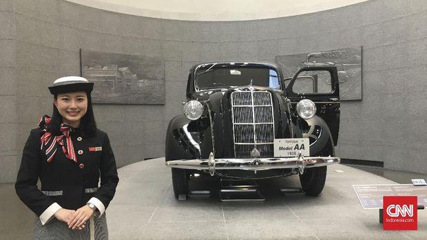 Toyoda AA, mobil pertama Toyota.