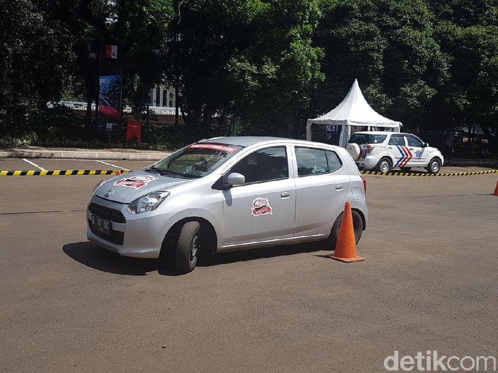 Taksi Online Dilarang Tambah Sopir Baru