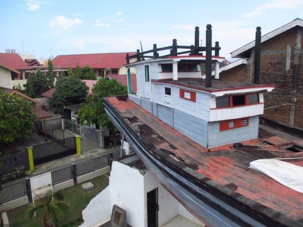 Jejak Kedahsyatan Tsunami Aceh Ada di Atas Rumah Ini