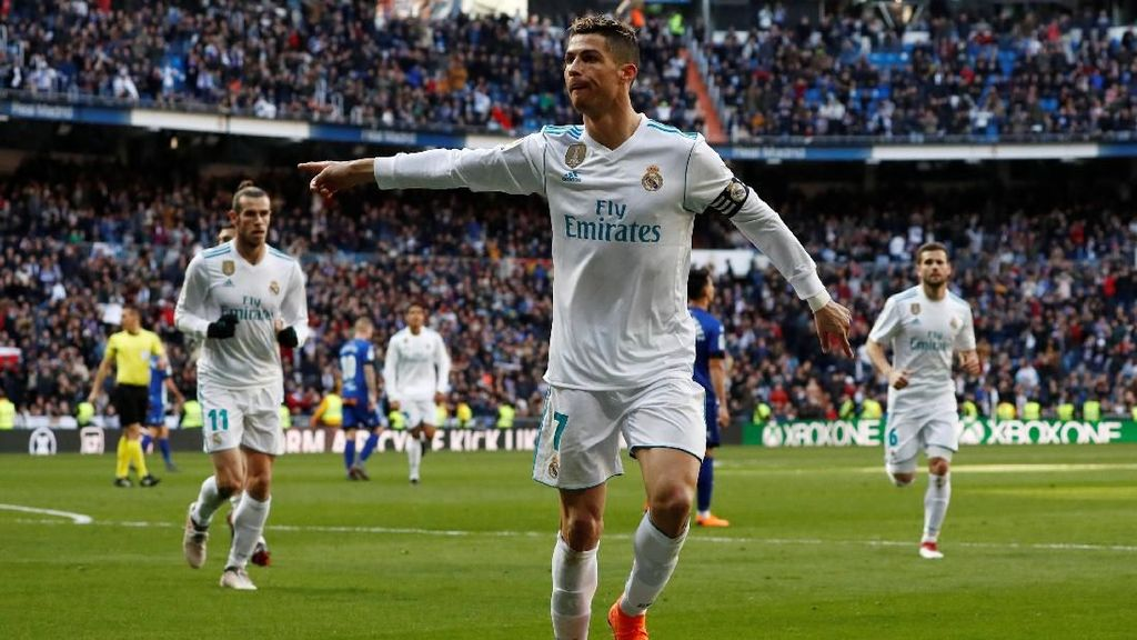 Cara Ronaldo Bela Benzema dari Kritik