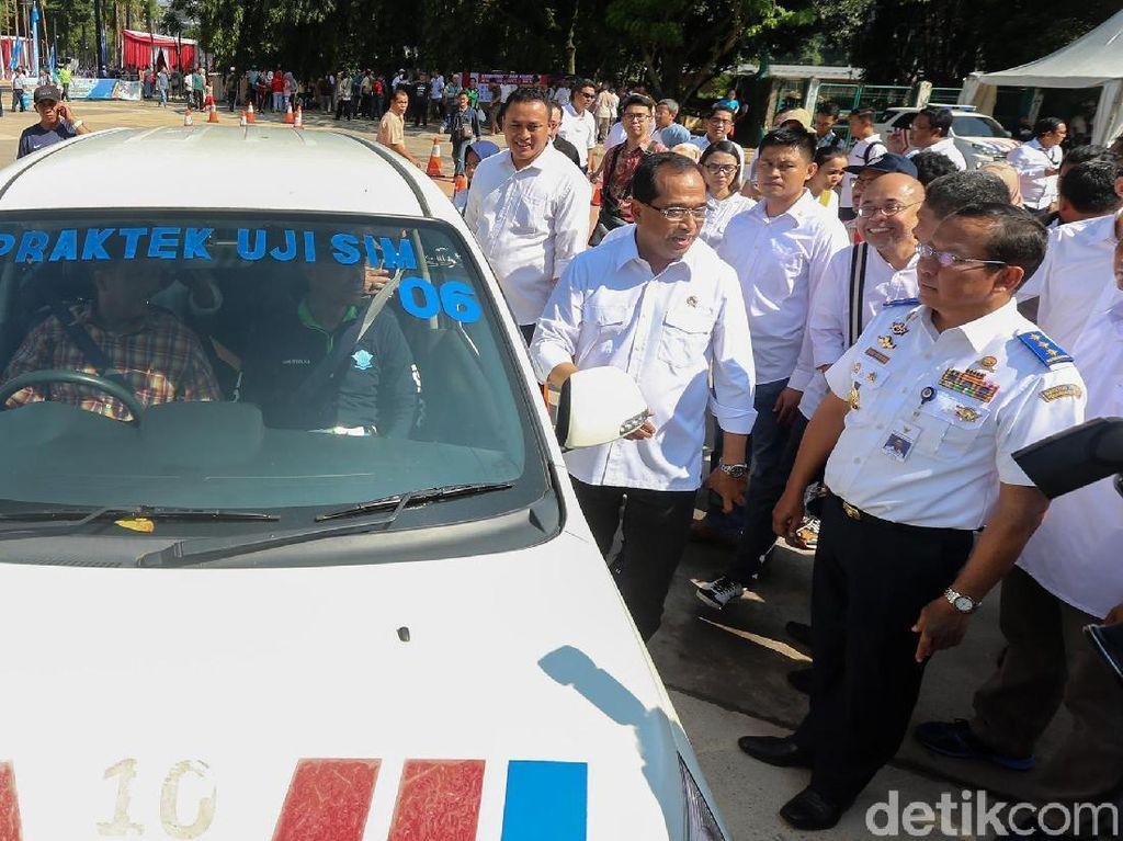 SIM Murah Bersubsidi Hanya Berlaku untuk Sopir Taksi