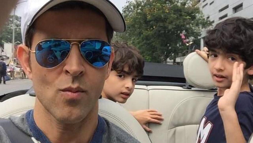 Foto: Liburannya Aktor Bollywood Tampan Hrithik Roshan