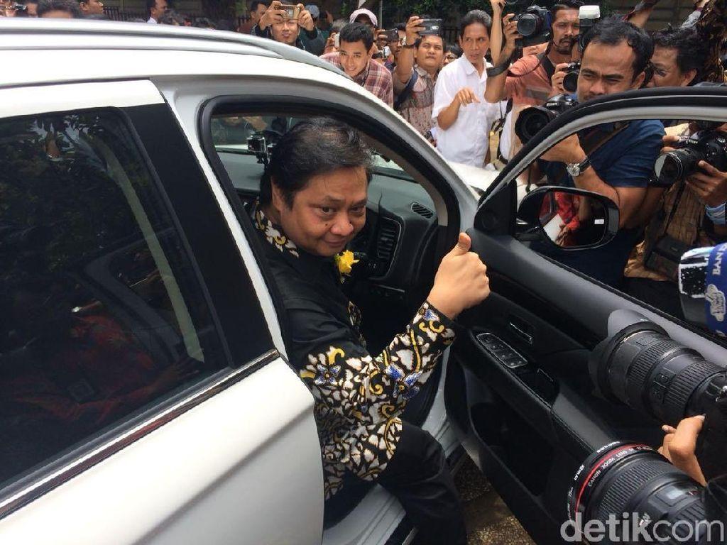 Menteri Jokowi Ramai-ramai Jajal Mobil Listrik Jepang