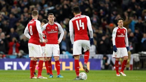 Kritik Tajam Gary Neville: Arsenal Main Ogah-ogahan