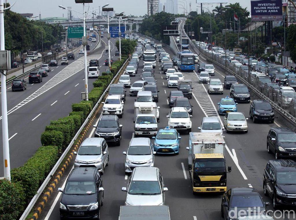 Tol Tangerang Arah Jakarta Macet di 2 Titik, Pagi Ini