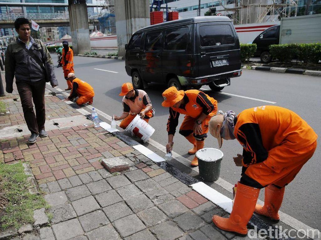 DPRD Minta Perbaikan Trotoar Sudirman Selesai Sebelum Asian Games