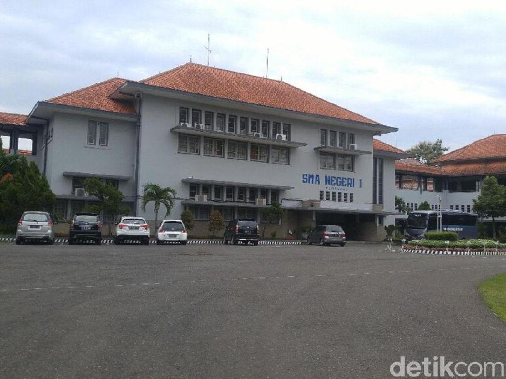 SMA Tertua di Indonesia, Ada di Kota Mana?