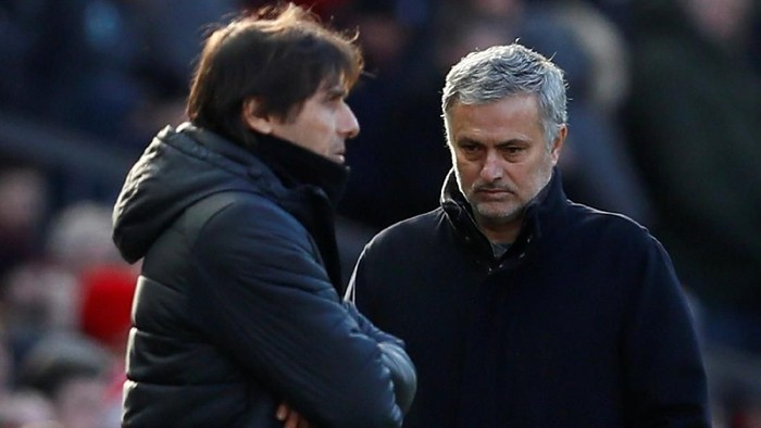 Soccer Football - Premier League - Manchester United vs Chelsea - Old Trafford, Manchester, Britain - February 25, 2018   Manchester United manager Jose Mourinho walks past Chelsea manager Antonio Conte as he comes out for the second half   Action Images via Reuters/Jason Cairnduff    EDITORIAL USE ONLY. No use with unauthorized audio, video, data, fixture lists, club/league logos or