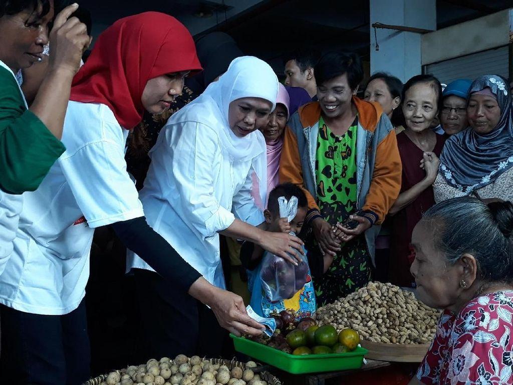 Joget dan Borong Belanjaan Warnai Kampanye Khofifah di Madiun