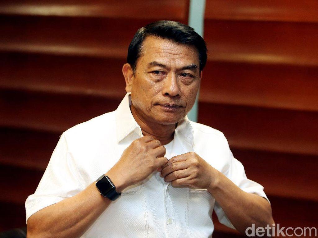 Jokowi Copot Moeldoko atau Tidak?