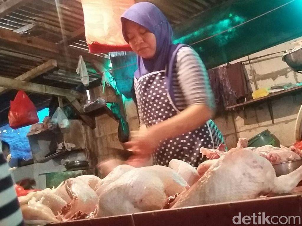 Harga Daging Ayam Turun Tipis Jadi Rp 40.000/Ekor