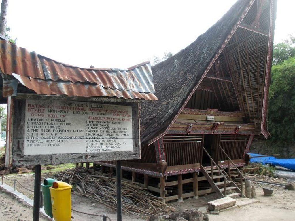 Warisan Adat Batak Toba Samosir, Rumah Bolon