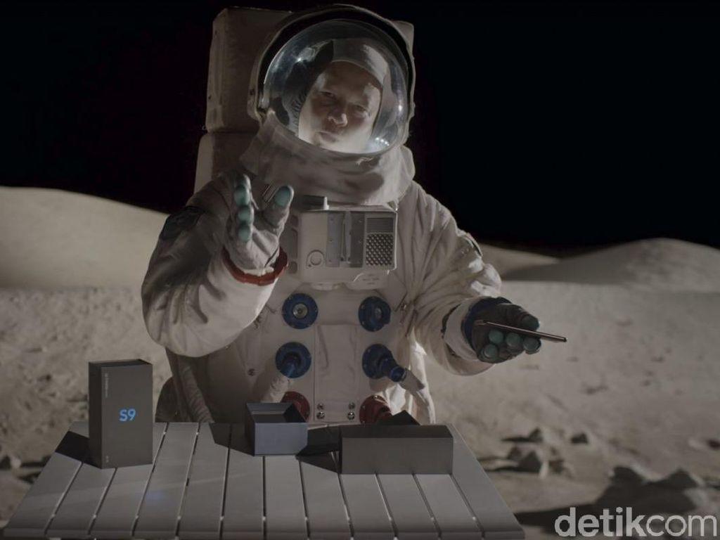 Unboxing Galaxy S9+ di Bulan