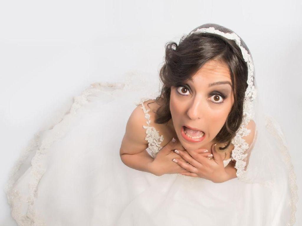 7 Orang dengan Pernikahan Teraneh, Pengantinnya Bukan Manusia