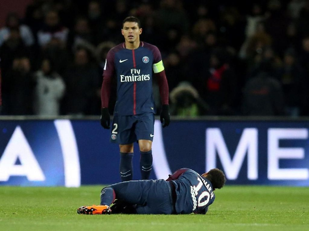 Neymar Cedera karena Salah Sendiri