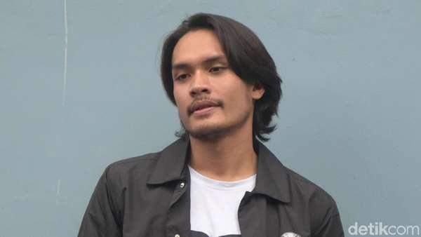 Randy Pangalila Makara Makin Macho