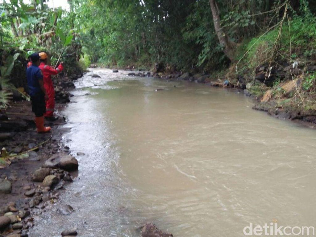 Tim Gabungan Cari Warga Yang Diduga Terjun ke Sungai di Magelang